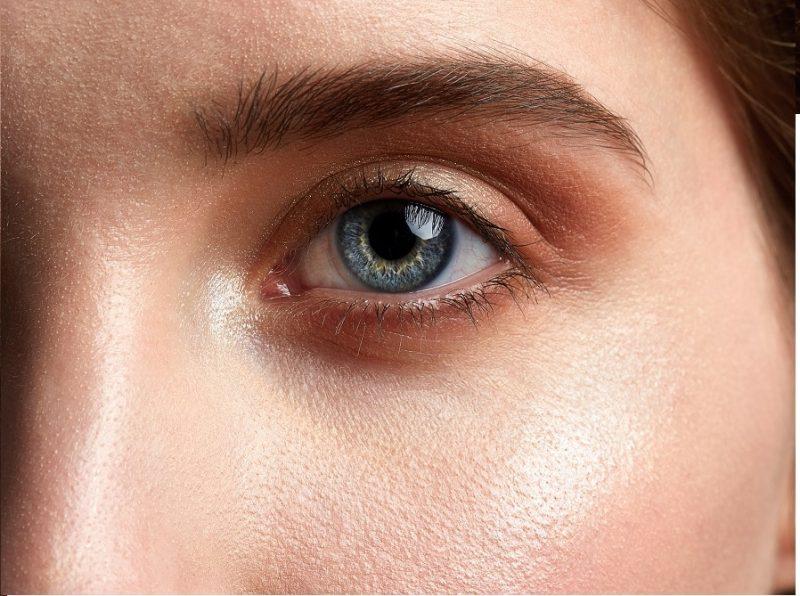 jak sobie radzić ze świecącą skórą